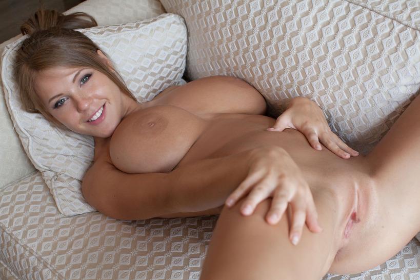 Nude viola Viola bailey